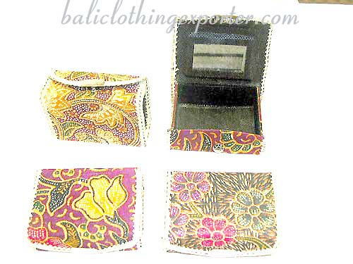 Make-up case, purse, wallets, jewelry cases. ladies mirror purses, fashion accessories